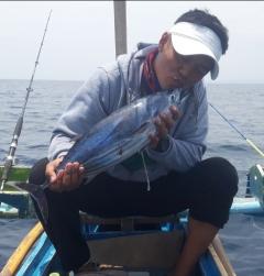 A kiss to my skipjack tuna