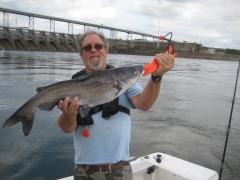 Dam fishing